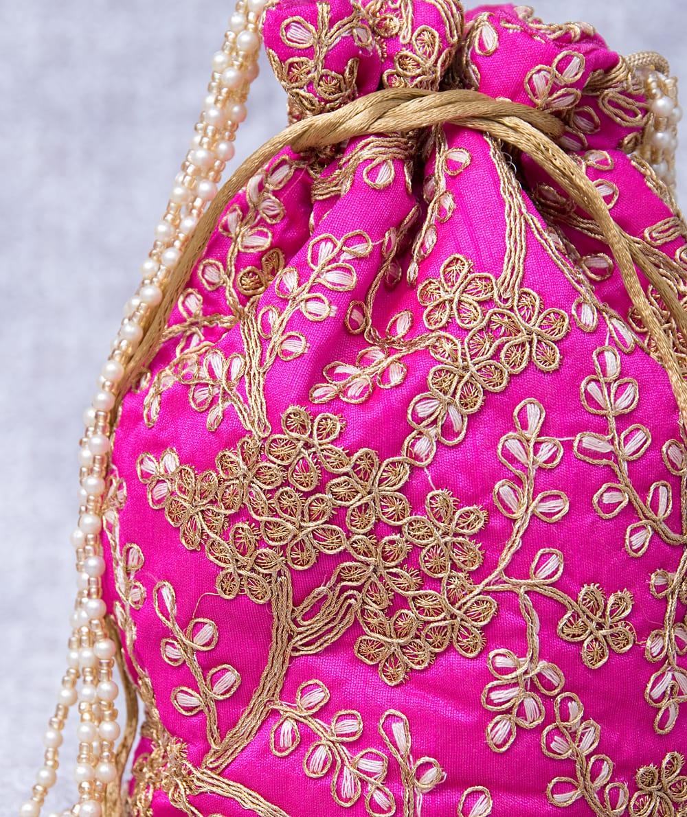 インドのきらきらミニバッグ・サリー等へオススメの巾着 - マゼンタ 2 - 柄の部分をアップにしてみました。