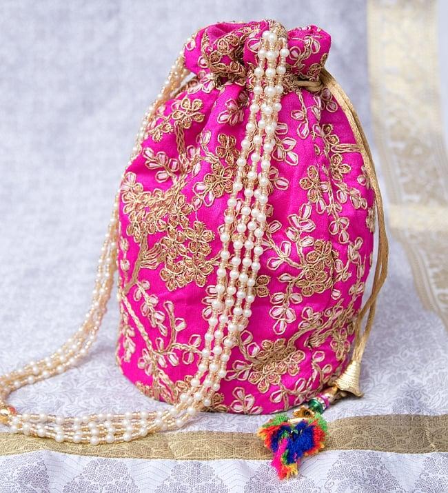 インドのきらきらミニバッグ・サリー等へオススメの巾着 - マゼンタ 3 - 横からの写真です