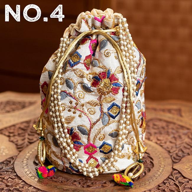 インドのきらきらミニバッグ・サリー等へオススメの巾着 ゴールド&フラワー更紗刺繍系 15 - 〔No.4〕はこのようなデザインになります