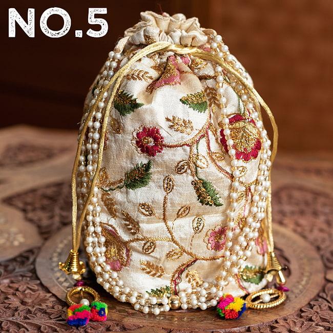 インドのきらきらミニバッグ・サリー等へオススメの巾着 ゴールド&フラワー更紗刺繍系 16 - 〔No.5〕はこのようなデザインになります