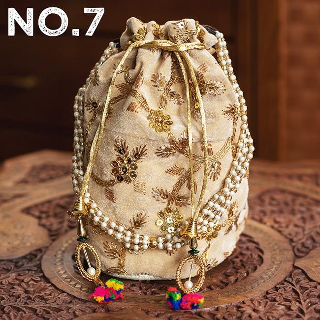 インドのきらきらミニバッグ・サリー等へオススメの巾着 ゴールド&フラワー更紗刺繍系 18 - 〔No.7〕はこのようなデザインになります