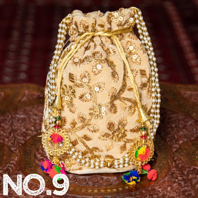 インドのきらきらミニバッグ・サリー等へオススメの巾着 ゴールド&フラワー更紗刺繍系 20 - 〔No.9〕はこのようなデザインになります