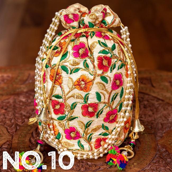 インドのきらきらミニバッグ・サリー等へオススメの巾着 ゴールド&フラワー更紗刺繍系 21 - 〔No.10〕はこのようなデザインになります