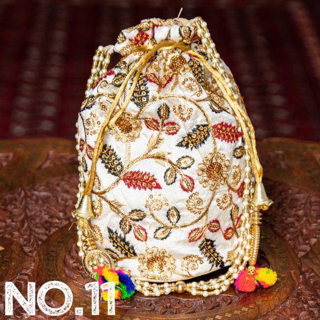 インドのきらきらミニバッグ・サリー等へオススメの巾着 ゴールド&フラワー更紗刺繍系 22 - 〔No.11〕はこのようなデザインになります