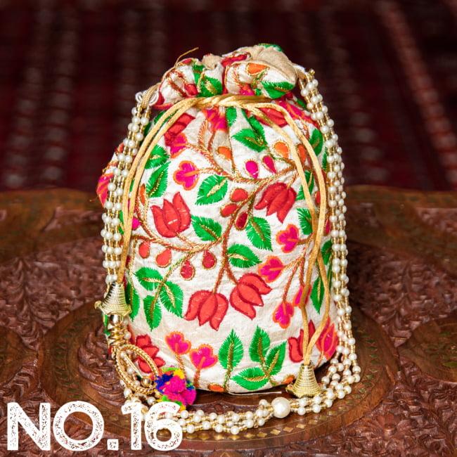 インドのきらきらミニバッグ・サリー等へオススメの巾着 ゴールド&フラワー更紗刺繍系 27 - 〔No.16〕はこのようなデザインになります