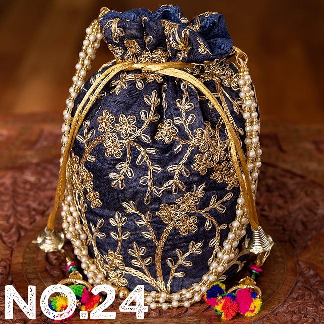 インドのきらきらミニバッグ・サリー等へオススメの巾着 ゴールド&フラワー更紗刺繍系 35 - 〔No.24〕はこのようなデザインになります