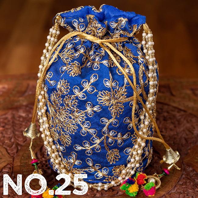 インドのきらきらミニバッグ・サリー等へオススメの巾着 ゴールド&フラワー更紗刺繍系 36 - 〔No.25〕はこのようなデザインになります