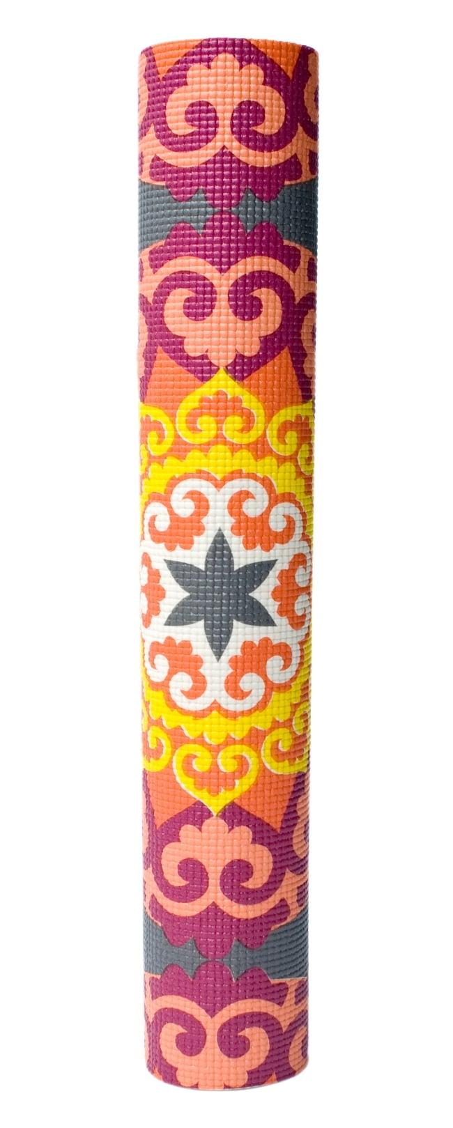エスニック インド マンダラ柄ヨガマット(5mm) - ピンク・オレンジ 6 - 丸めてお部屋に置いておくだけでも嬉しくなってしまう可愛さです!