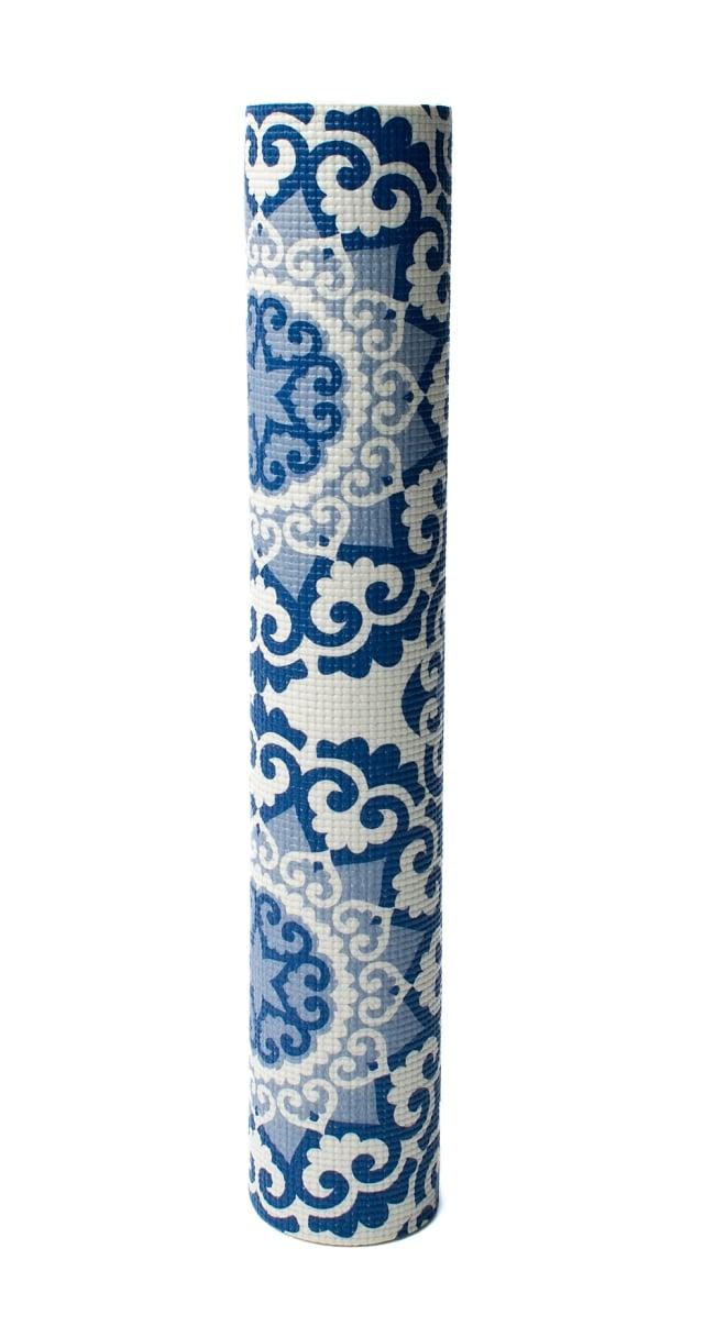エスニック インド マンダラ柄ヨガマット(5mm) - ブルー 6 - 丸めてお部屋に置いておくだけでも嬉しくなってしまう可愛さです!