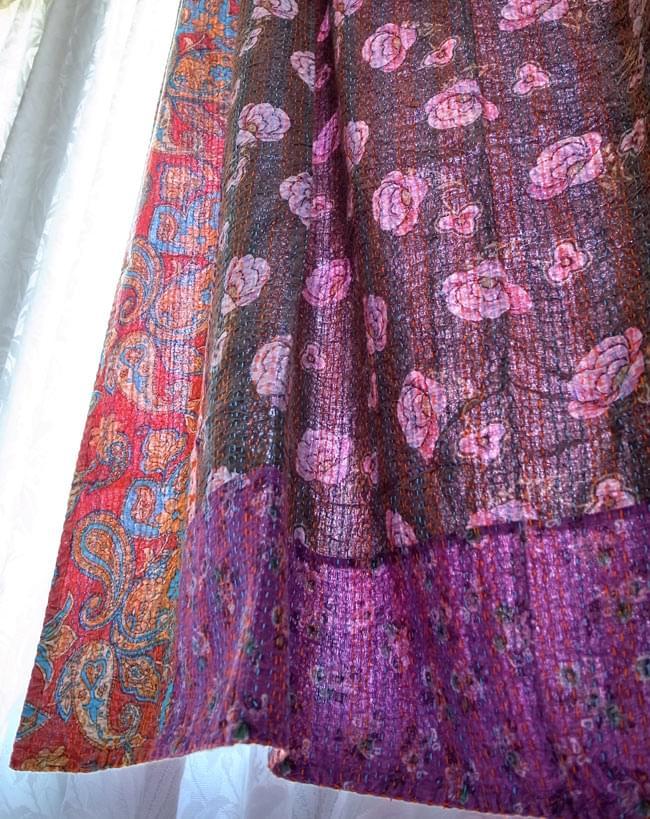【インドのパッチワーク】ラリーキルトの大判マルチクロス【約280cm×約230cm】の写真13 - 加工を施して、カーテンとしての利用も素敵だと思います。大きさがあるので、様々な用途にご利用いただけます。