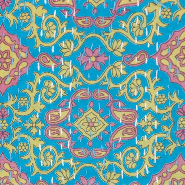 【インドのパッチワーク】ラリーキルトの大判マルチクロス【約280cm×約230cm】の写真3 - 生地の拡大写真になります。丁寧に作られております。
