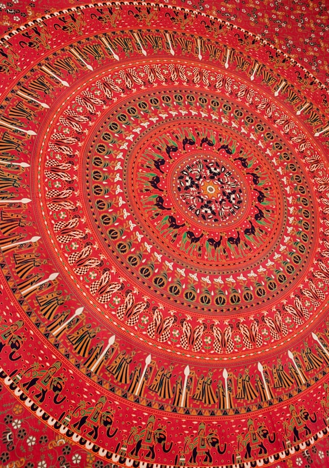 マルチクロス - 円形 花柄【約200cm×約220cm】の写真4 - 斜めに撮ってみたところです