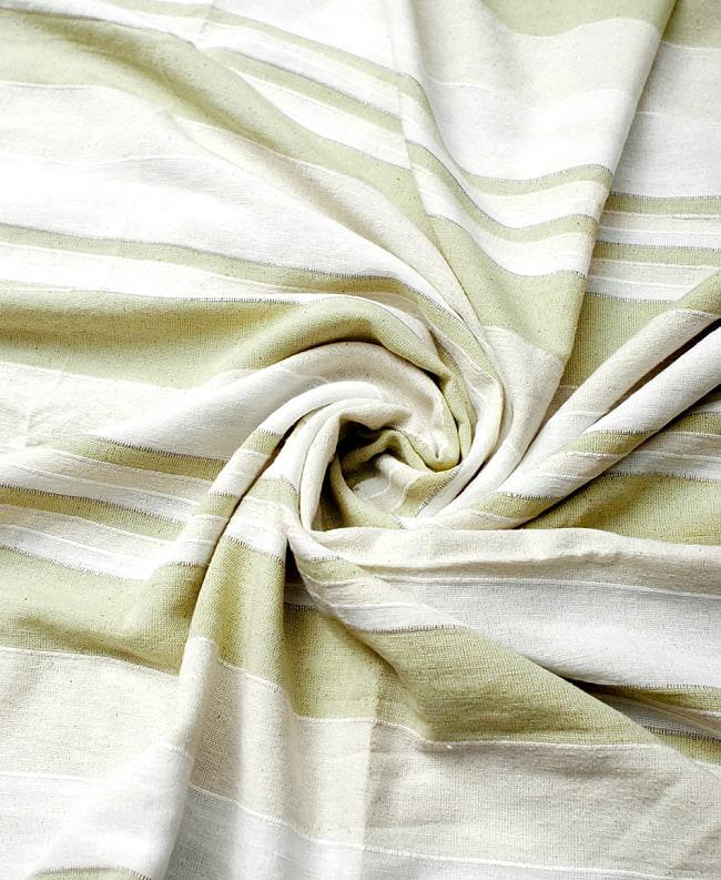 〔235cm×150cm〕カディコットン風マルチクロス - ストライプ柄 白×薄緑 3 - インド現地でつくられています。どこか素朴さを感じる素敵な生地です。