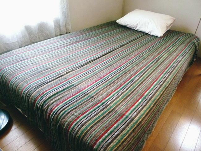 〔235cm×150cm〕カディコットン風マルチクロス - ストライプ柄 白×薄緑 8 - 同ジャンル品(240cm×150cm)の布を、セミダブル(120cm×196cm)での使用した際の例になります。