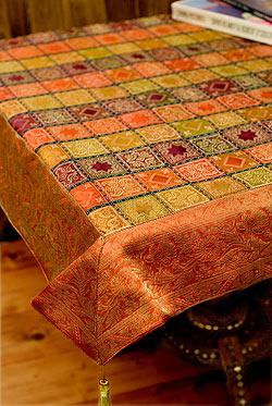 〔約105cm×105cm〕インドの金糸入りテーブルカバー オレンジ×マルチカラー