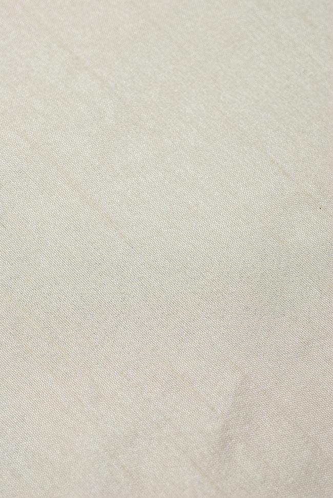 〔約140cm×50cm〕インドの金糸入りテーブルランナー ベージュホワイトの写真4 - 中央部分の布地はシンプルなプレーンタイプ。