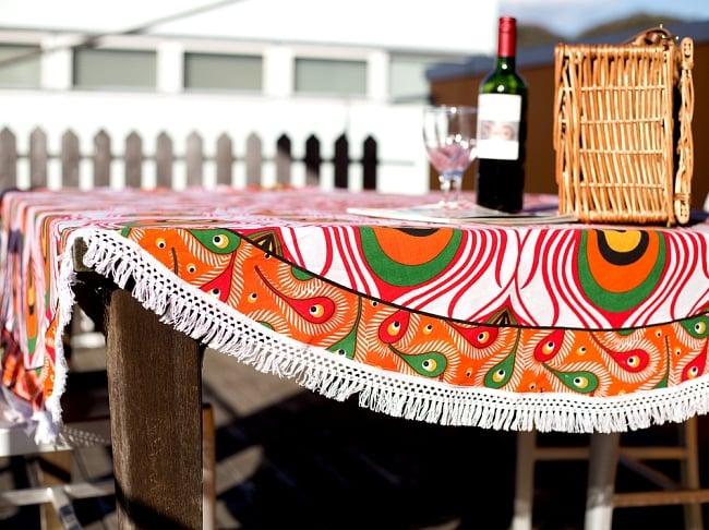 マンダラ柄ラウンドブランケット レジャーシート&ソファーカバー・テーブルクロス【約190cm】 10 - 賑やかな雰囲気になります