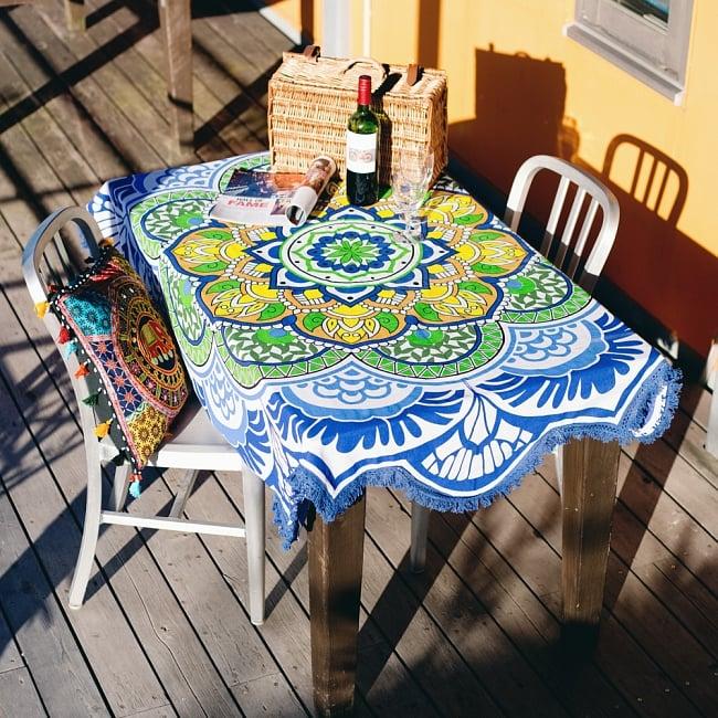 マンダラ柄ラウンドブランケット レジャーシート&ソファーカバー・テーブルクロス【約175cm】の写真2 - テーブルクロスとしても素敵です