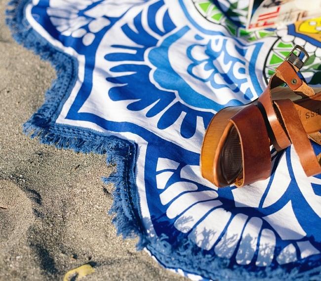 マンダラ柄ラウンドブランケット レジャーシート&ソファーカバー・テーブルクロス【約170cm】の写真7 - 織り目の細かいインド綿なので、プリントも迫力があり、砂浜に敷いても砂が落ちやすいです