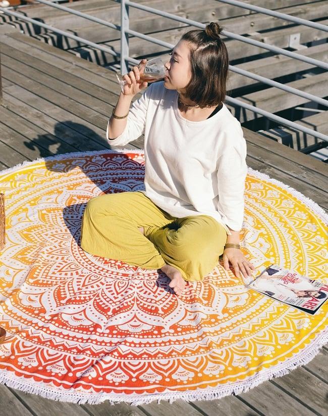 マンダラ柄ラウンドブランケット レジャーシート&ソファーカバー・テーブルクロス【約170cm】の写真3 - 大きく存在感があります