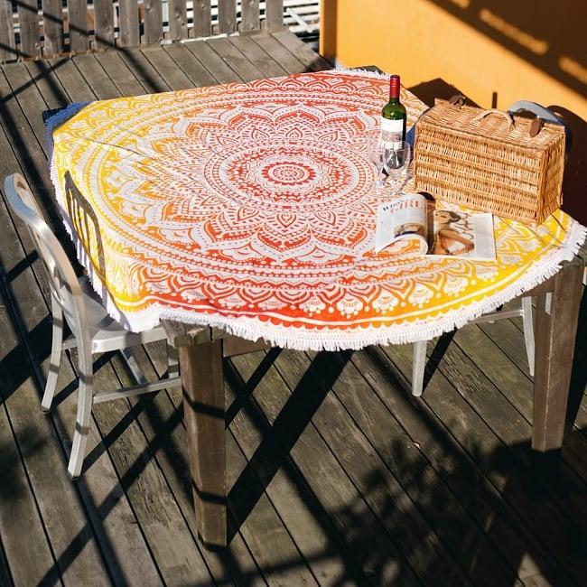 マンダラ柄ラウンドブランケット レジャーシート&ソファーカバー・テーブルクロス【約170cm】 8 - テーブルクロスとしても素敵です