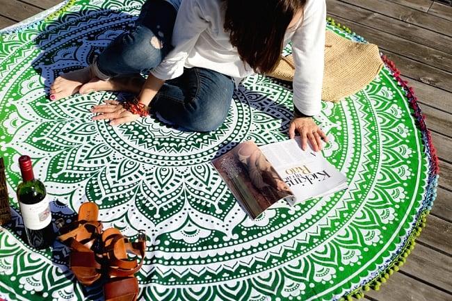 マンダラ柄ラウンドブランケット レジャーシート&ソファーカバー・テーブルクロス【約170cm】の写真2 - 大きく存在感があります