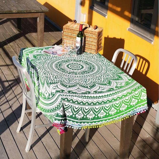 マンダラ柄ラウンドブランケット レジャーシート&ソファーカバー・テーブルクロス【約170cm】の写真6 - テーブルクロスとしても素敵です