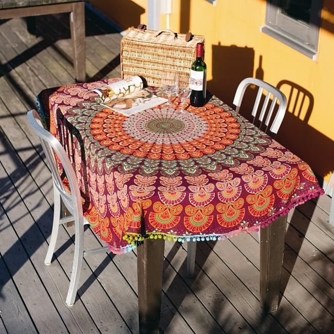 マンダラ柄ラウンドブランケット レジャーシート&ソファーカバー・テーブルクロス【約150cm】の写真2 - テーブルクロスとしても素敵です
