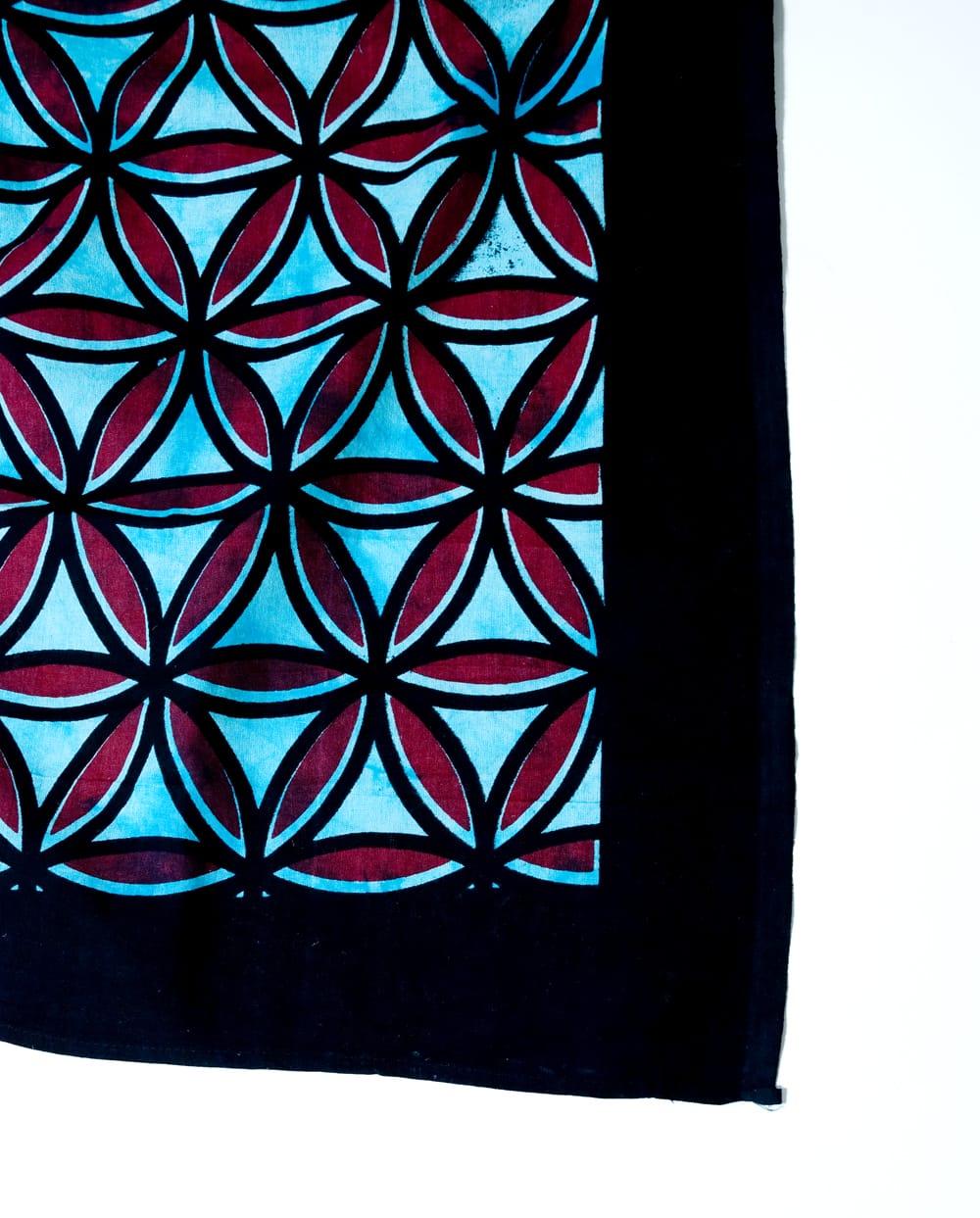 マルチクロス - 生命の花 フラワー・オブ・ライフ【約226cm×約210cm】 3 - 縁部分の写真です