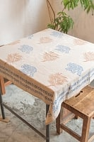 [約102cm x 約105cm]木版染め インド綿テーブルクロス  - 象と樹木