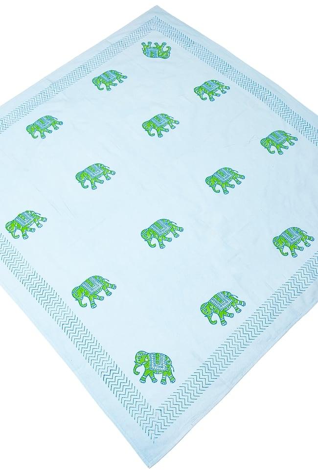 [約110cm x 約104cm]木版染め インド綿テーブルクロス  - 象さん 水色 2 - 広げてみました。