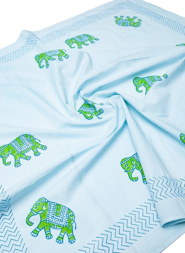 [約110cm x 約104cm]木版染め インド綿テーブルクロス  - 象さん 水色 6 - テーブルクロスのほか、壁掛けやカーテンなどにも使えそうです。
