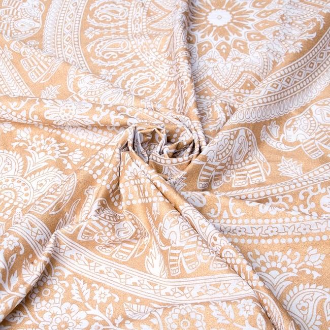 ホワイト&ゴールドラメマンダラ柄ラウンドブランケット レジャーシート&ソファーカバー・テーブルクロス【約190cm】 6 - 縁の写真です
