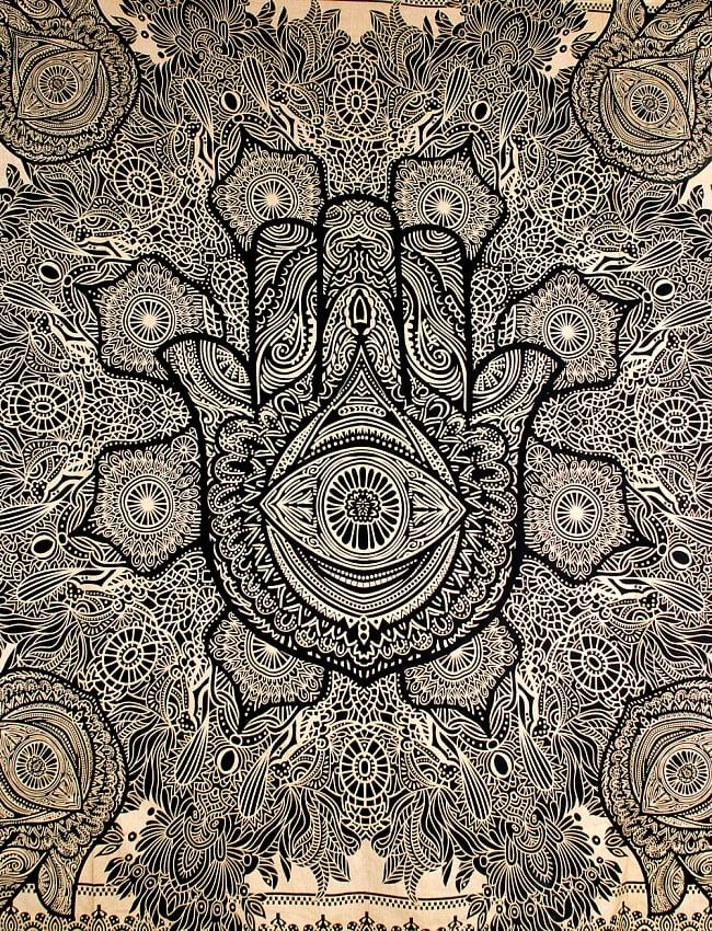 マルチクロス - ファーティマの手 ハムサ ゴールドラメ〔約226cm×約209cm〕 2 - 中心部分の拡大写真です。とても迫力があるデザインです。