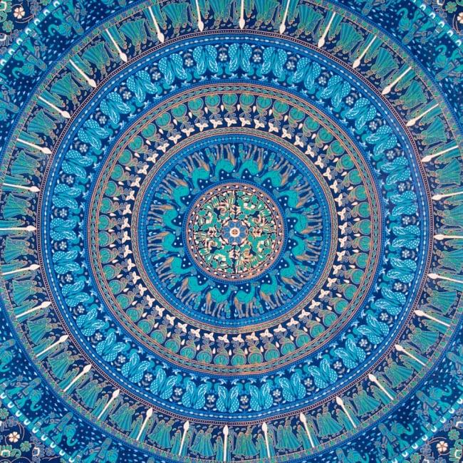 マルチクロス 円形 象と更紗模様〔200cm×134cm〕 2 - 中心部分の拡大写真です。とても迫力があるデザインです。