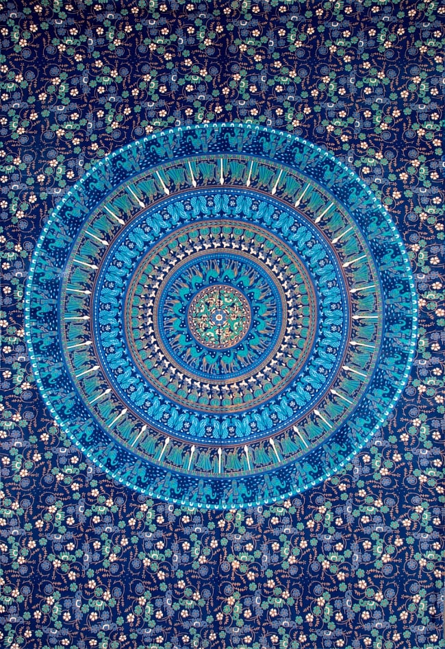 マルチクロス 円形 象と更紗模様〔200cm×134cm〕の写真