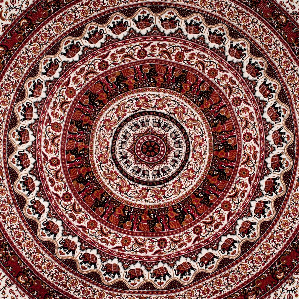 マルチクロス 円形 象と更紗模様〔239cm×209cm〕 2 - 中心部分の拡大写真です。とても迫力があるデザインです。