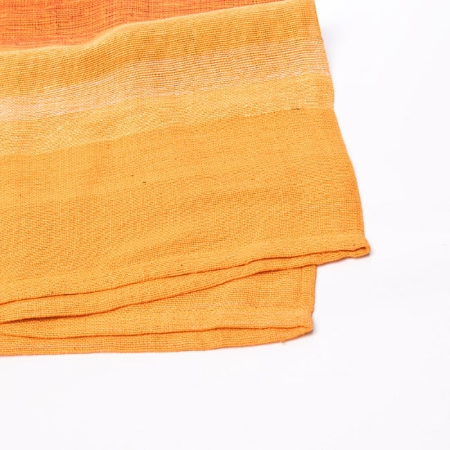 〔225cm×150cm〕柔らか手触りのイタワ織りマルチクロス - オレンジ 2 - 縁の部分の拡大写真です。ほつれないように折り返し裁縫されています。