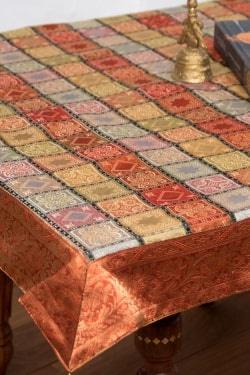 〔約105cm×105cm〕インドの金糸入りテーブルカバー -オレンジ×マルチカラー