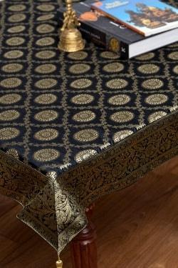 〔約105cm×105cm〕インドの金糸入りテーブルカバー -ブラック×サークル