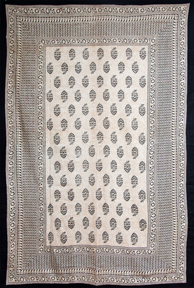 マルチクロス - ウッドブロックスタイル【約200cm x 136cm】 3 - No.2:黒系の全体像です。