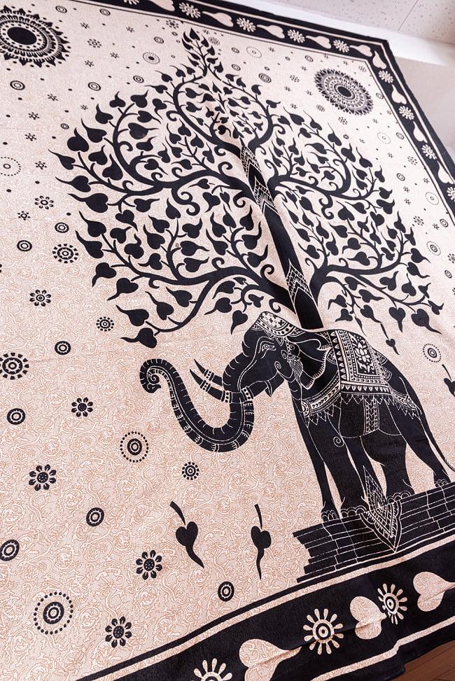 マルチクロス - 生命の樹 ナチュラルカラー〔約204cm×約221cm〕 8 - 斜めからの写真です