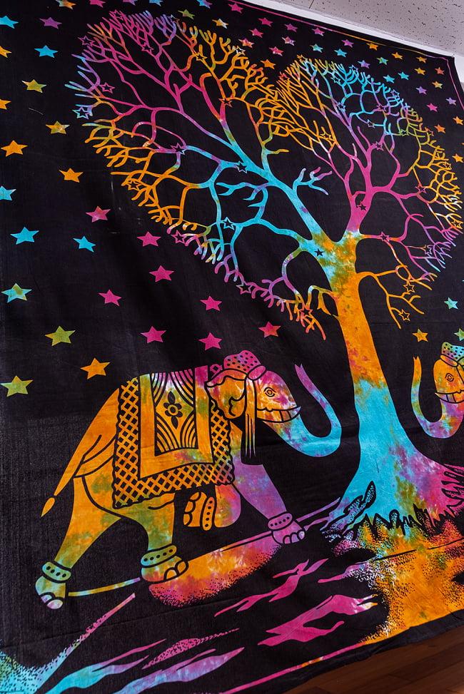 マルチクロス - 生命の樹 タイダイホーリーカラー〔約203cm×約221cm〕 8 - 斜めからの写真です