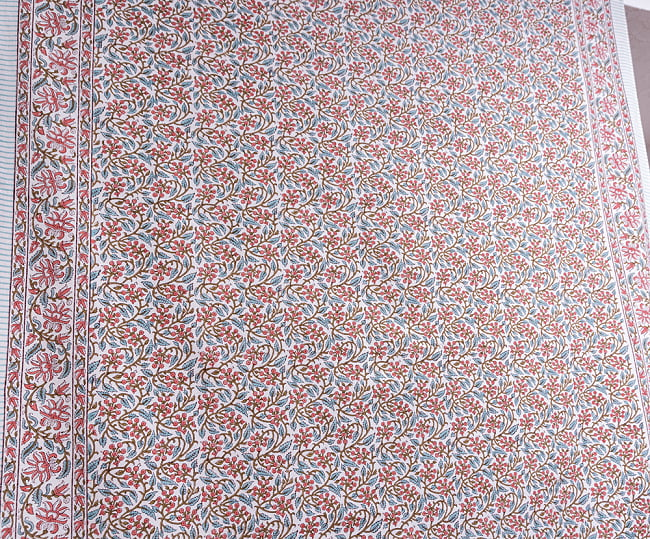ジャイプル職人手作り インド伝統の木版染め更紗マルチクロス〔225cm×155cm〕色彩豊かなボタニカルデザイン ベッドカバーやソファーカバー パーテーションなどへ 3 - 拡大写真です
