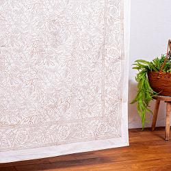 【自由に選べる3枚セット】ジャイプル職人手作り 白生地×ゴールドプリントのボタニカルデザイン インド伝統の木版染め更紗マルチクロス〔225cm×155cm〕ベッドカバーやソファーカバー パーテーションの写真