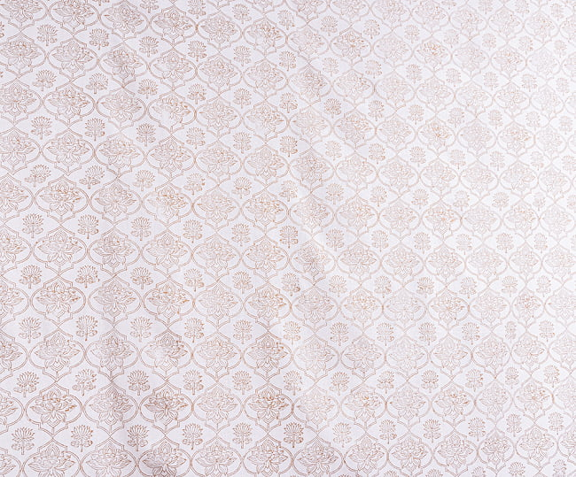 【自由に選べる3枚セット】ジャイプル職人手作り 白生地×ゴールドプリントのボタニカルデザイン インド伝統の木版染め更紗マルチクロス〔225cm×155cm〕ベッドカバーやソファーカバー パーテーション 8 - 拡大写真です