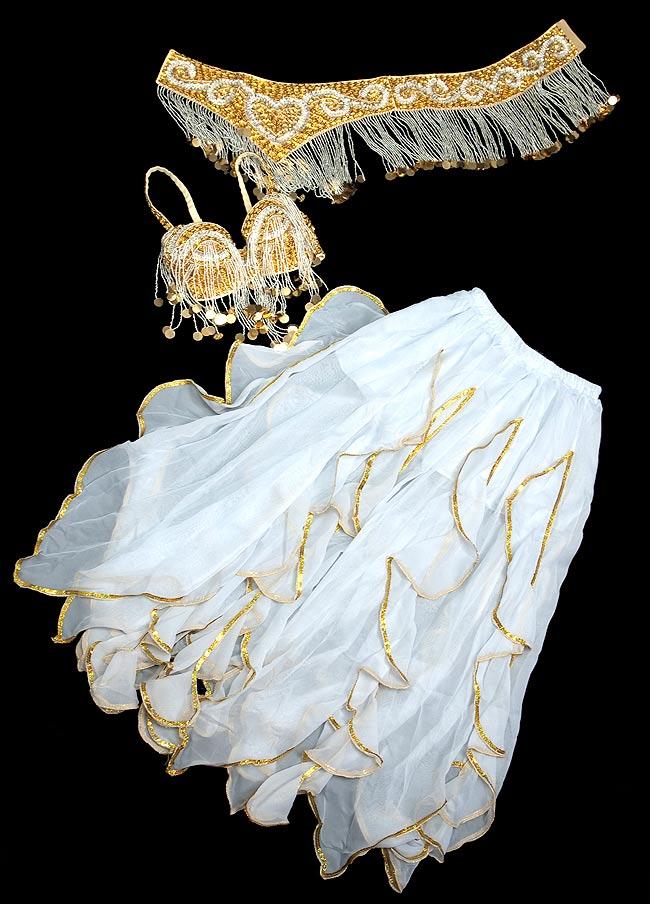 ベリーダンス衣装 スカート・ブラ 3点セット - 白 4 - 平らなところにおいてみました。3点セットです