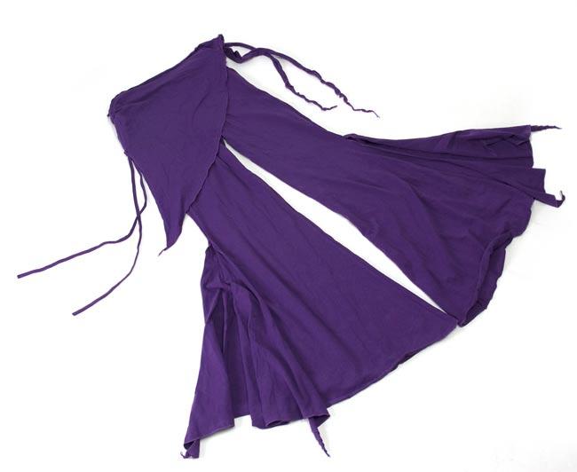 ストレッチ・トライバルパンツ - 紫 2 - 床においたところです。不思議な形をしています
