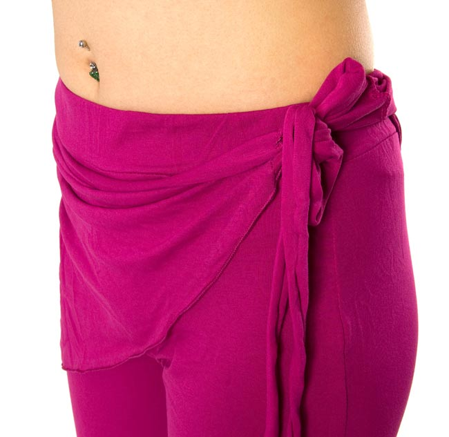 ベリーダンス ストレッチ レッスンウェア - 紫 3 - 腰の部分の装飾がかわいいですね。この写真は同じデザインで別の色の商品の写真となります。お送りする商品は上2枚の写真のものになります