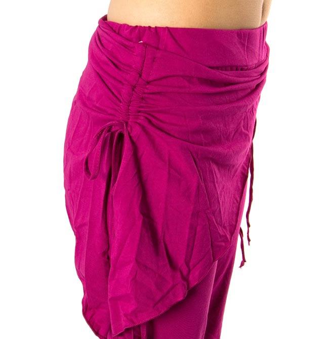 ベリーダンス ストレッチ レッスンウェア - ピンク 4 - 腰の部分の装飾がかわいいですね。この写真は同じデザインで別の色の商品の写真となります。お送りする商品は上2枚の写真のものになります